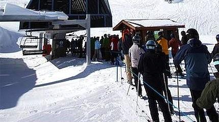 line_up_at_ski_lift_whistler_mountain_whistler_700-05389295
