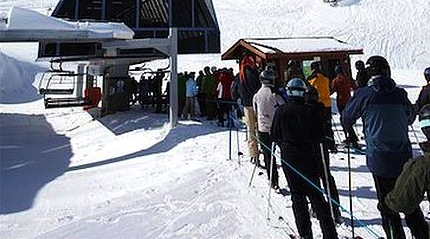 line_up_at_ski_lift_whistler_mountain_whistler_700-05389295